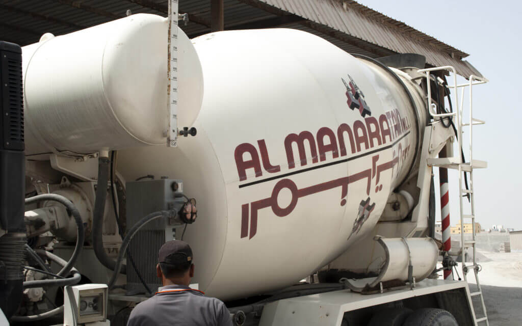 Al Manaratain Ready-Mix Concrete Mixer