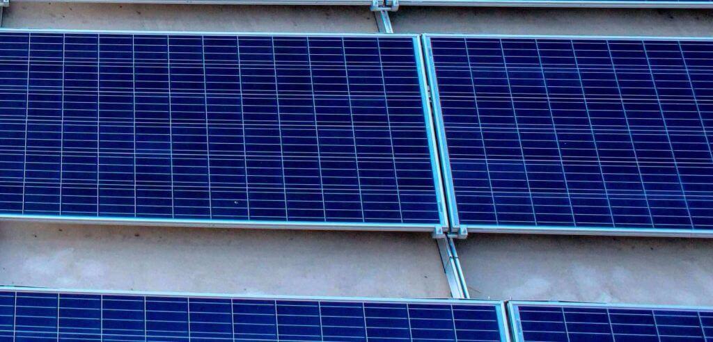 Al Manaratain S Solar Powered Vision For The Future
