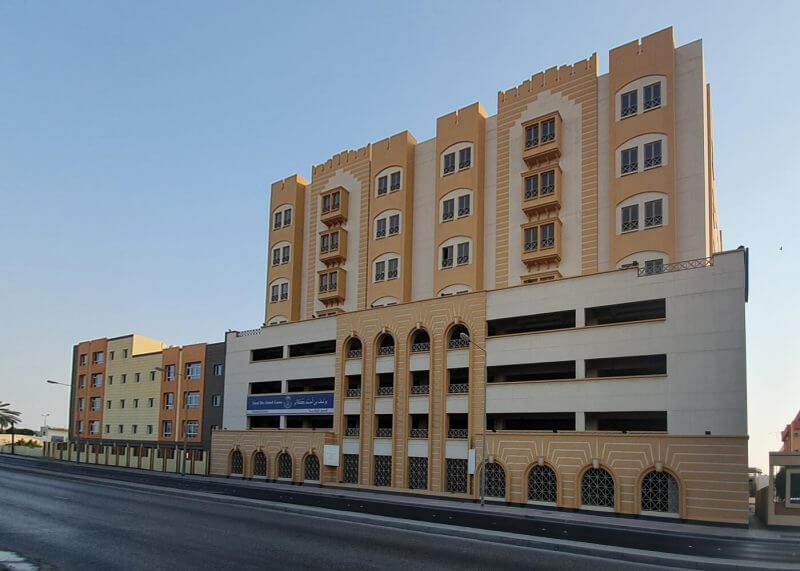 8 Storey Kuwait Avenue Office Building - Outside