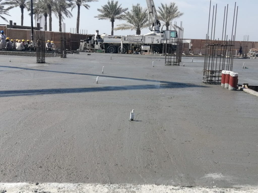 Al Manaratain Laying Concrete Floor